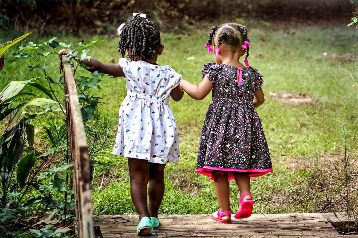 girls-children-kids-friends-50581_200_2x3